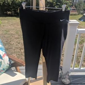 ❤️cropped Nike black leggings